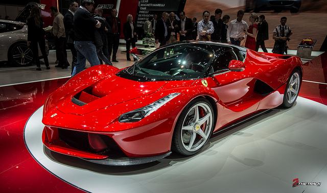 Ferrari-LaFerrari-world-debut-at-the-Geneva-Motor-Show